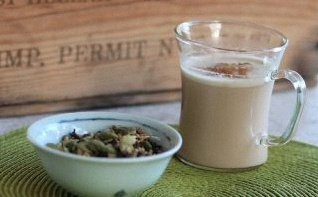 Une recette facile de Masala Chai : thé indien aux épices